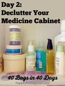clutter, combat clutter, declutter, 40 bags in 40 days